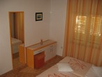 CLICK: Summer vacation Makarska - Room: A4+1