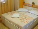 CLICK: Apartments Makarska: Room A4+1